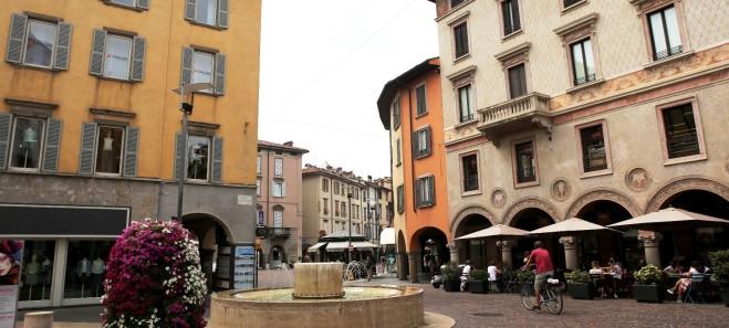 Piazza Pontida – Negozio open space