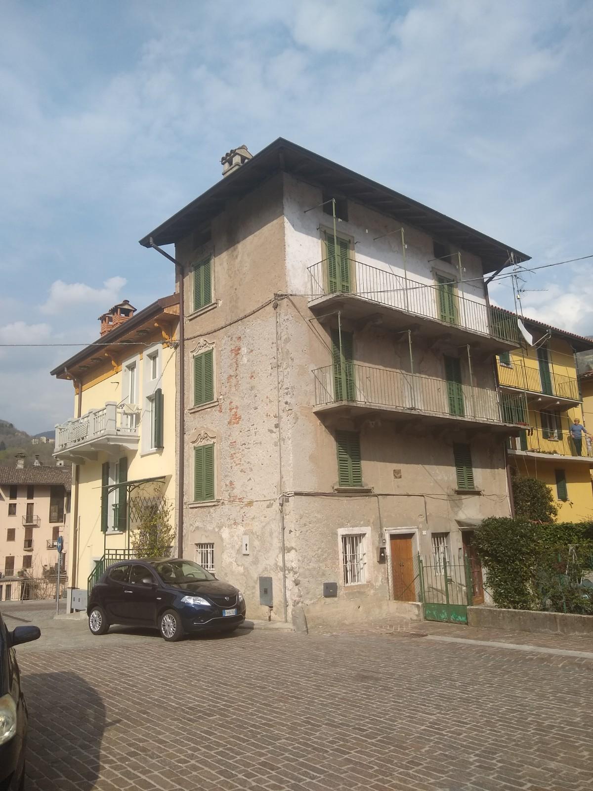 San Giovanni Bianco – Palazzina cielo/terra unifamiliare