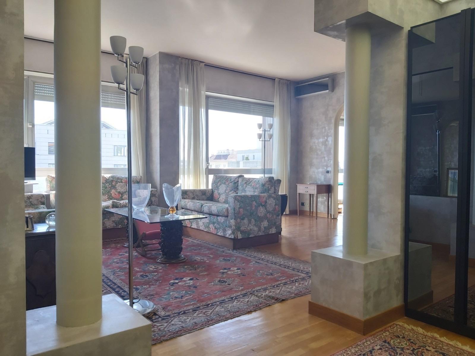 Bergamo Via Verdi  Splendido appartamento con terrazzo