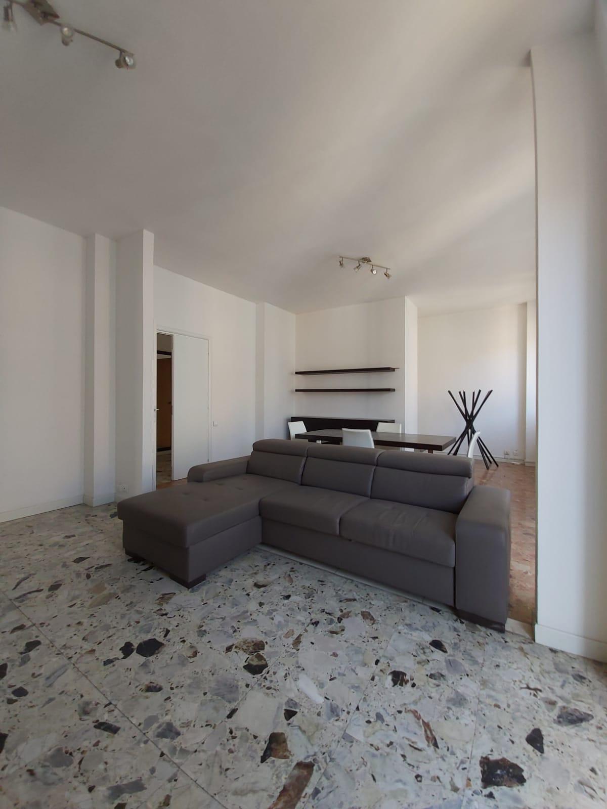 Bergamo Via Nullo quadrilocale quinto piano