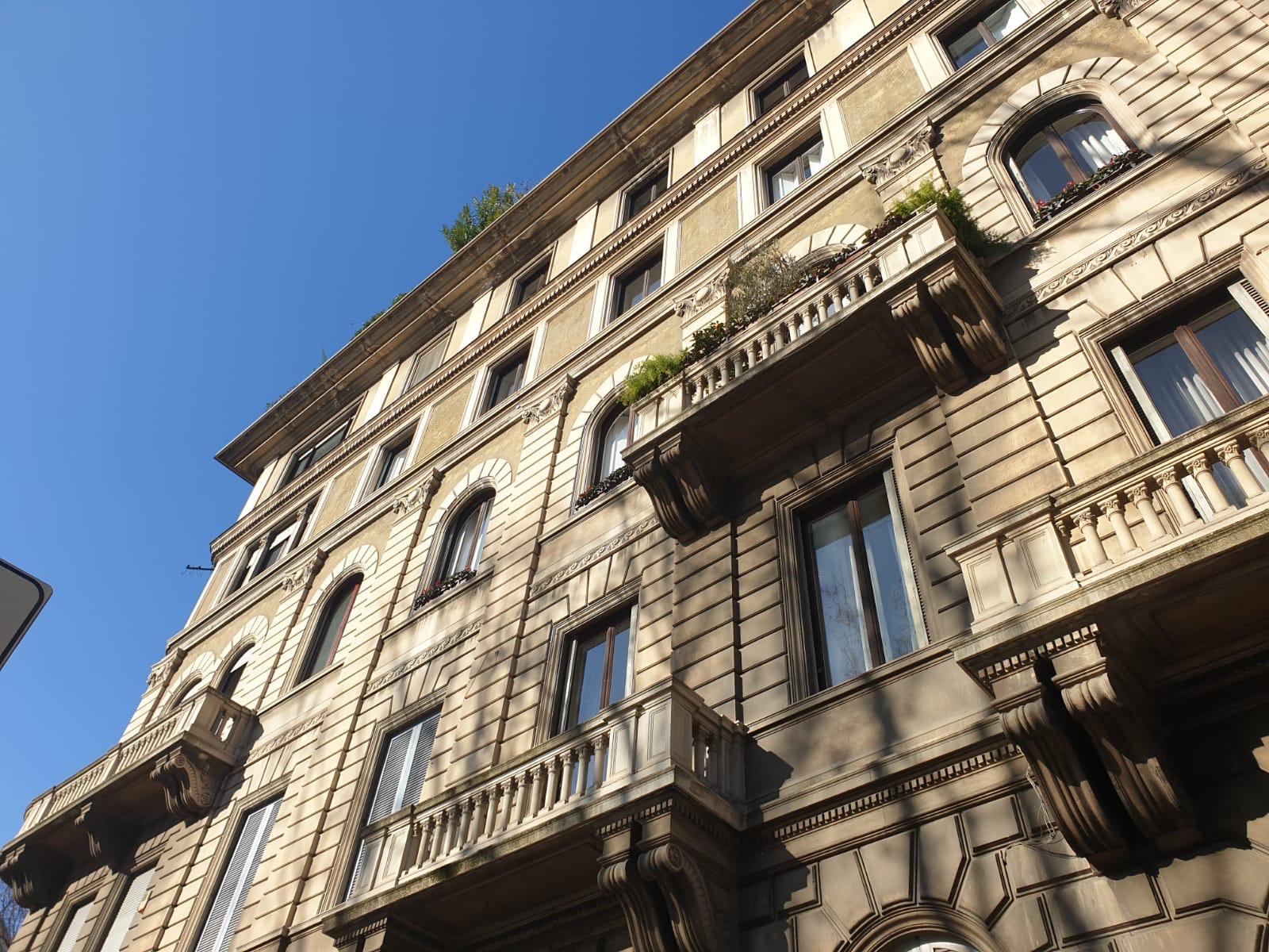 Milano zona Corso Buenos Aires appartamento in prestigioso palazzo
