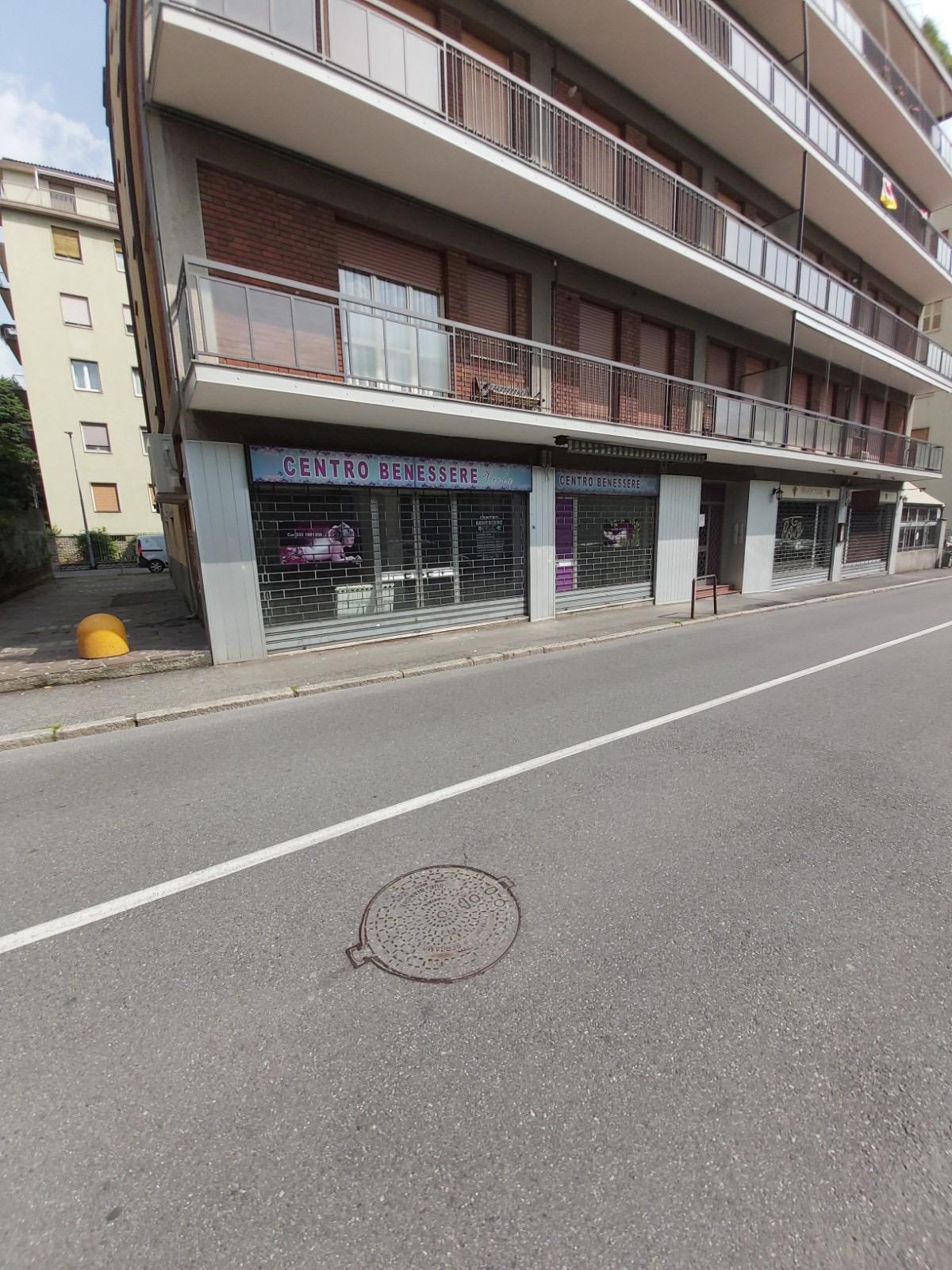Bergamo Via Nullo Negozio fronte strada