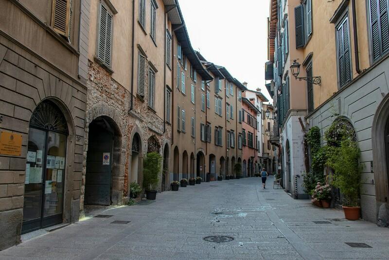 Bergamo Via Pignolo NEGOZIO
